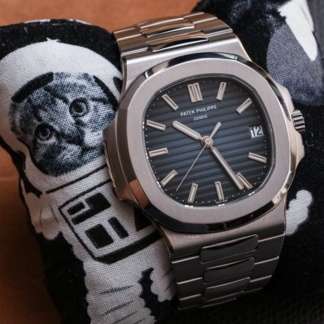 Reviewing Luxury Patek Philippe Nautilus 5711/1A-010 Replica Watch